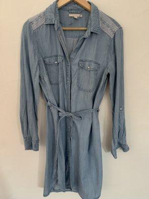 Jeanskleid mit Bindegürtel und Ethno Print