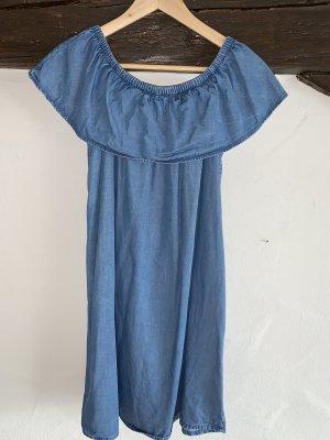 Jeanskleid mit Carmen Ausschnitt