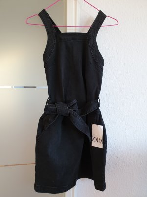 Jeanskleid mit Gürtel von Zara