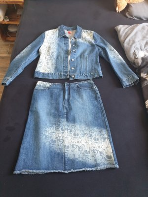 Jeanskostüm Jacke und Rock