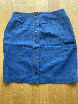 Jeansrock durchgeknöpft