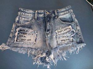 Jeansshort mit Patches
