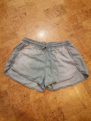 H&M Pantalón corto de tela vaquera azul celeste