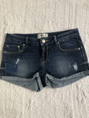 Jeansshorts / dunkelblau / Gr. 36 S / NEU