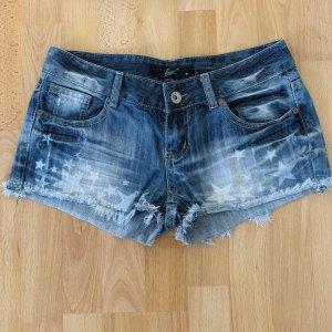 Jeansshorts mit Sternen