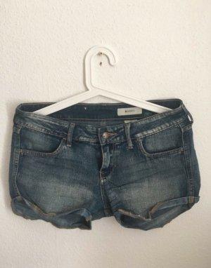 Jeansshorts mit verwaschenen Denimstyle