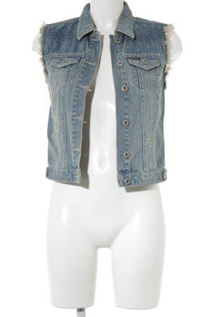 Jeansweste blau Street-Fashion-Look