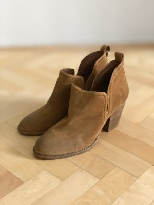 Jeffrey Campbell Booties cognac-coloured-brown