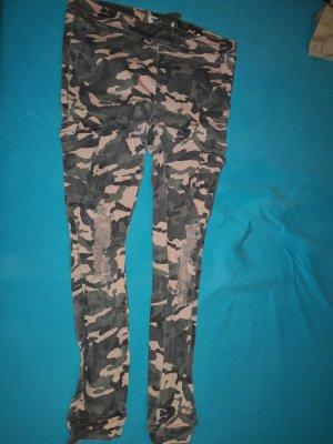 Jeggings military look