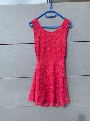 Jennyfer Kleid Gr. M rot mit Spitze wie neu