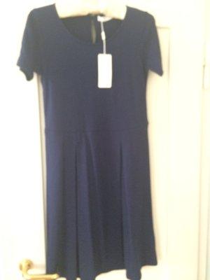 Nice Connection Vestido de tela de sudadera azul oscuro Viscosa