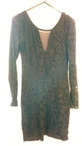 Jerseykleid aus Spitze mit Tülleinsätzen