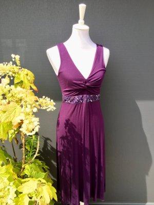 Jerseykleid in Lila mit Pailettenschmuckband (38)