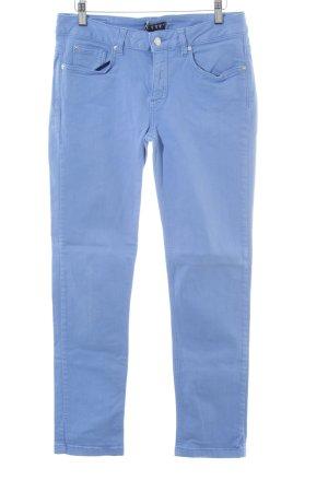 Jette Straight-Leg Jeans kornblumenblau Street-Fashion-Look