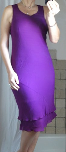 Jigsaw Kleid, figurbetont, violett, fuchsia, luxuriöse britische Mode, ärmellos, schmal geschnitten, doppellagig, Viskose / Viskose, welliger Saum, Top Zustand, Gr. 14 UK (Gr. 40/42 - passt aber auch bei Gr. 38/40, da sich das Kleid anpasst)