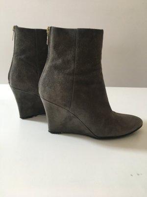 Jimmy Choo Wildleder Ankle Boots Keilabsatz grau Gr. 39 1/2