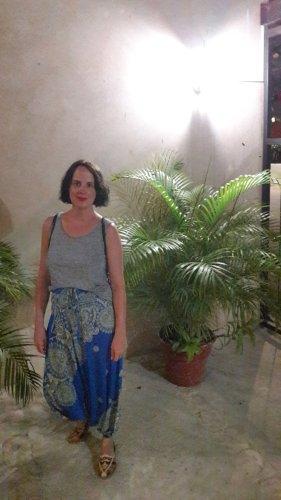 Pantalone alla turca giallo pallido-blu neon