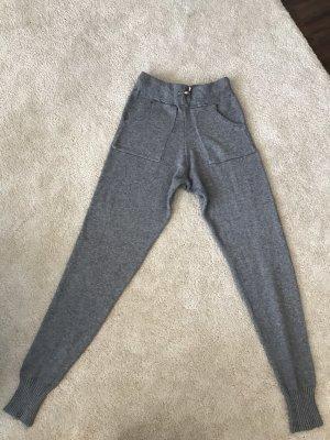 Pantalón elástico gris