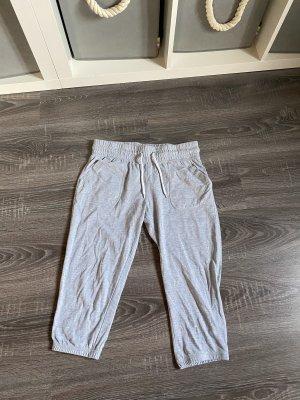 Jogginghose grau hellgrau Dreiviertel Sporthose Homewear