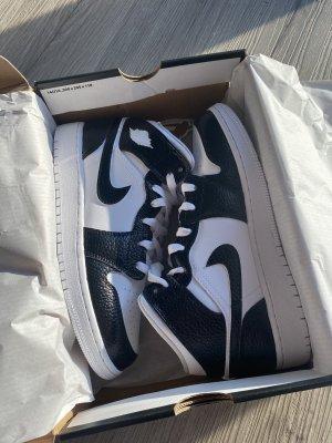 Jordan 1 Custom