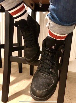 Jordan Sneaker alta nero