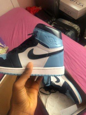 Air Jordan High Top Sneaker light blue-baby blue