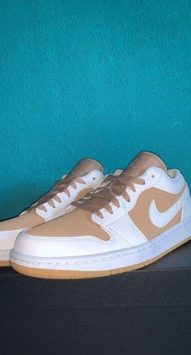 Air Jordan Chaussure skate blanc-beige