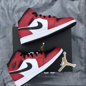 Jordan 1 Mid Chicago black toe