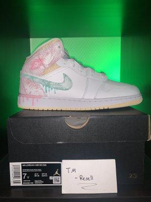 Jordan 1 Pink Drip 40 / 7Y