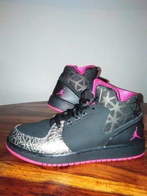 Jordan Basket montante noir-rose