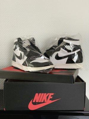 Air Jordan Basket montante blanc-noir