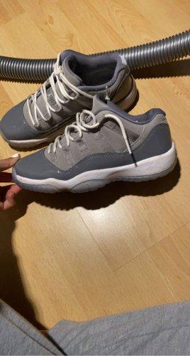Air Jordan High Top Sneaker grey