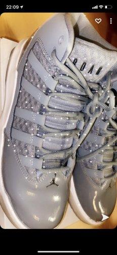 Air Jordan Sneakers met hak grijs