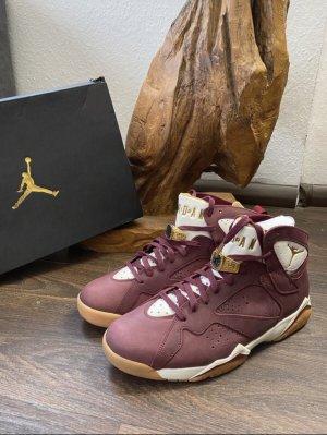 Air Jordan Lace-Up Sneaker bordeaux-gold-colored