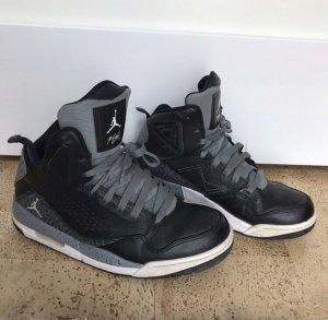 Air Jordan Sneaker stringata grigio-nero