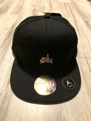 New Era Berretto da baseball nero-rosso scuro