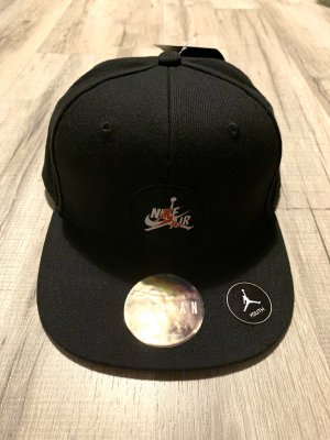 New Era Berretto da baseball nero-rosso scuro