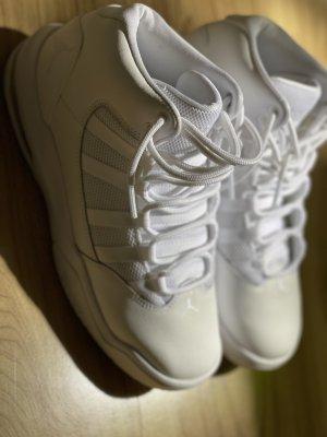 Air Jordan Sznurowane trampki biały