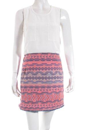 Jovonna London Minikleid Aztekenmuster Street-Fashion-Look