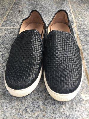 JSlides Sneaker