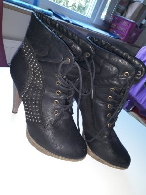 Juliet Platform Booties black