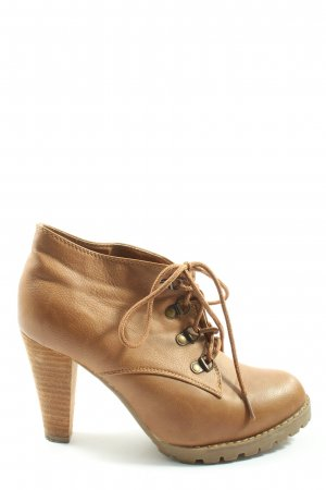 Jumex Lace-up Booties brown elegant