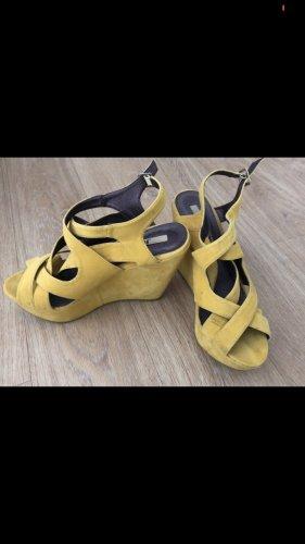 Jumex Sandalias de tacón con plataforma amarillo