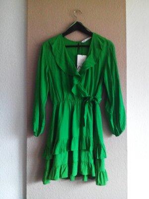 Jumpersuit in grün aus 100% Viskose, Größe S, neu