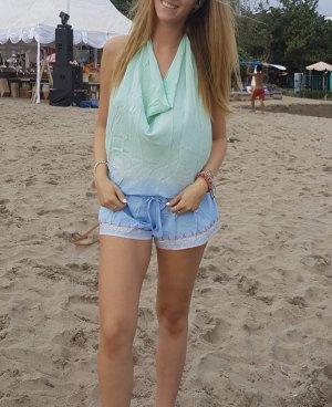 Tenue de plage turquoise-bleu clair