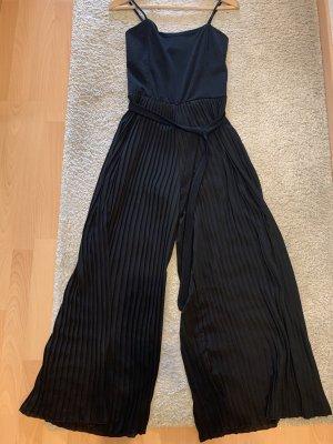 Jumpsuit mit Plissee, schwarz, Gr. 38