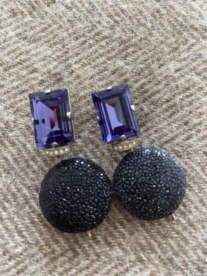 Boucle d'oreille incrustée de pierres violet foncé