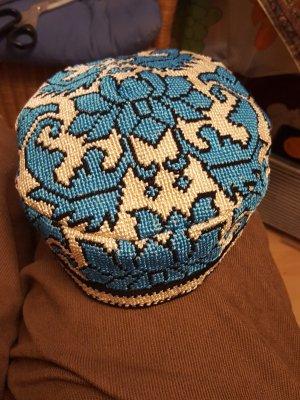 Czapka z tkaniny biały-turkusowy