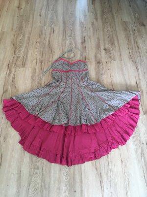Kan-Kan Style Kleid