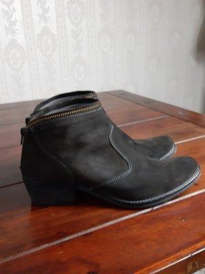 Kanna Booties black